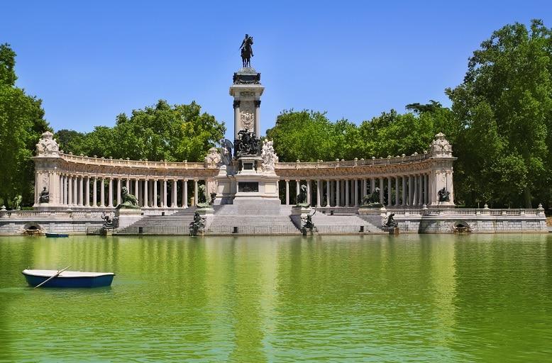 El retiro estanque parques de Madrid